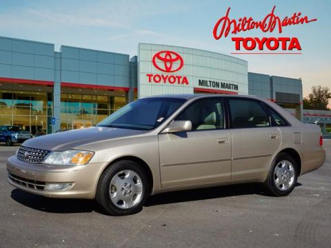 Pre-Owned 2004 Toyota Avalon XLS FWD XLS 4dr Sedan w/Bucket Seats